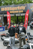 Harley Davidson motorcykelryttare Royaltyfria Bilder