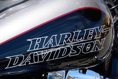 Harley Davidson Petrol Tank escuro fotografia de stock