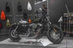 Harley - Davidson Sportster XL 1200X vooruit - Motorfiets Acht Royalty-vrije Stock Foto's