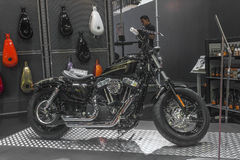 Harley - Davidson Sportster XL 1200X avanti - motociclo otto Fotografie Stock Libere da Diritti