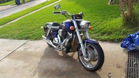 Harley nam een bad Stock Fotografie