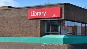 Harlow, Inglaterra - 13 de março de 2019 a biblioteca na área do laço do grampo fotografia de stock