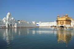 Harmandir Sahib (den guld- templet). Royaltyfri Bild