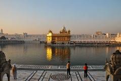 Harmandir Sahib o tempio dorato a Amritsar Immagini Stock Libere da Diritti