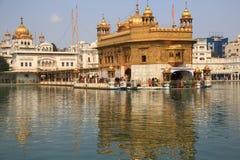 Harmandir Sahib (templo de oro) Imágenes de archivo libres de regalías