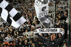 Harmonia de futebol entre Paok e AEK Fotografia de Stock