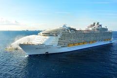 Harmonia morze oazy Królewska Karaibska klasa obrazy royalty free