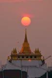 Harmonia natural na montanha dourada, Wat Saket Imagens de Stock