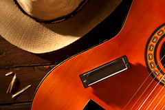 Harmonika auf Gitarre Lizenzfreies Stockfoto