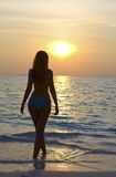harmoniskt silhouettekvinnabarn Royaltyfria Foton