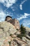 Harney ragen Feuer-Ausblick-Turm mit Steinschritten in Custer State Park im Black Hills von South Dakota empor lizenzfreie stockfotografie