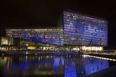 Harpa Building i Island Reykjavik på natten Arkivbild