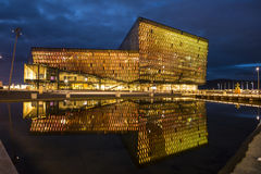 Harpa Concert Hall Building en Reykjavik, Islandia Fotografía de archivo libre de regalías