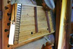 Harpa velha que pendura na parede imagens de stock royalty free