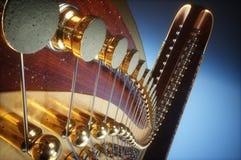 Harpe âgée sur le rendu 3D blanc Photo libre de droits