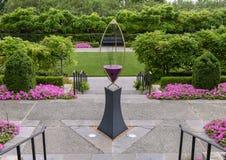 Harpe de vent de l'infini III par Ross Barrable dans le jardin des femmes, Dallas Arboretum et le jardin botanique photographie stock