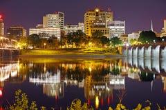Harrisburg Pennsylvania på natten Arkivfoto