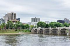 Harrisburg, Pennsylvania van stadseiland over susquehanna stock foto