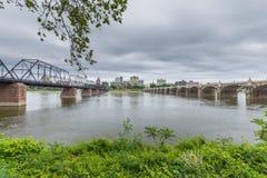 Harrisburg, Pennsylvania von der Stadtinsel über dem susquehanna Stockfotos