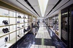 Harrods百货商店内部,鞋子天堂在伦敦 库存图片