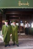 Harrods concierges στο Λονδίνο Στοκ Φωτογραφία