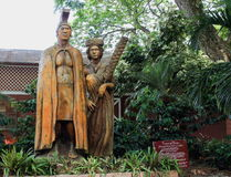 Harry and Mary Lake Statues, located at the Tropical Farms Macadamia Nut Outlet Stock Photo
