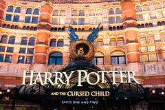 Harry Potter en het Vervloekte Kind, een spel bij het Paleistheater, Londen Stock Foto's