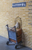 Harry Potter Platform en la estación de tren de reyes Cross en Londres Imagen de archivo