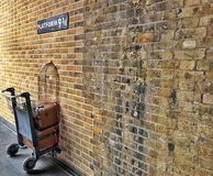 Harry Potter Platform 9 3/4, London royaltyfri bild