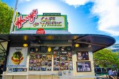 Harrys Cafe De Wheels est des tartes d'une portion d'icône d'Australien, des pâtés en croûte et des hot-dogs au wooloomooloo photos libres de droits