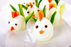 Hart gesottenes Ei-Hühnerfamilie stockbild