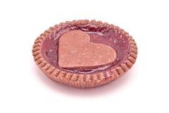 Hart gevormde gevormde het koekjespastei van de aardbeienjam stock afbeeldingen