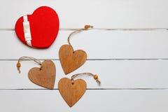 Hart op een houten achtergrond Hart van liefde Stock Foto