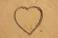 Hart op strand royalty-vrije stock afbeelding