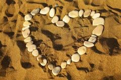 Hart op zand Royalty-vrije Stock Afbeeldingen
