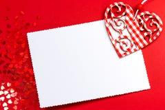 Hart over de kaart van de lege Valentijnskaart Stock Fotografie
