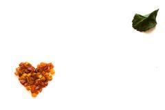 Hart van amberdiekaartsamenstelling voor de Dag van Valentine op wit wordt geïsoleerd Stock Afbeelding