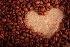 hart van de koffiebonen Stock Afbeeldingen