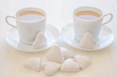 Hart-vorm koekjes en koffie Royalty-vrije Stock Foto's