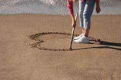 Hart in zand Stock Afbeeldingen