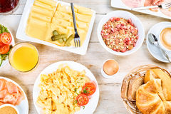 Hartelijk internationaal ontbijt stock foto's
