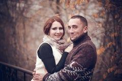 Hartelijk paar in liefde Stock Afbeeldingen