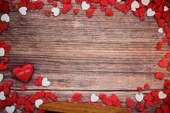 Harten en Houten de Dagachtergrond van Valentine ` s Royalty-vrije Stock Fotografie