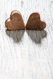 Harten op houten achtergrond Stock Foto's