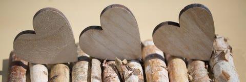 Harten van houten, houten achtergrond Royalty-vrije Stock Foto's