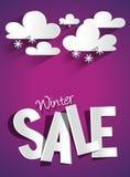 Harter Rabatt-Winterschlussverkauf mit Wolken und Snowflak Lizenzfreies Stockfoto
