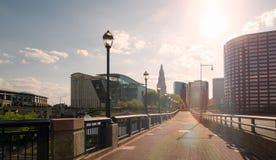 Hartford céntrica Connecticut con la llamarada hermosa del sol Fotografía de archivo libre de regalías