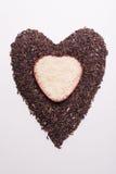 Hartvorm van mengeling van jusminrijst en riceberry rijst Stock Foto's