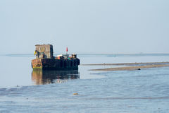 HARTY海岛, KENT/UK - 1月17日:一条老小船的看法在的 库存图片