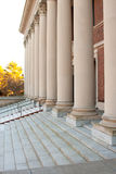 Harvard-Bibliotheks-Eingangs-Spalte-Türen Stockfotografie
